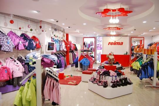 Торговый дизайн детского магазина reima